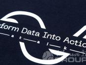 Синие свитшоты с логотипом «TRANSFORM DATA»