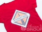 Красные женские футболки с изображением «INTERNATIONAL»