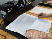 Белая футболка с коллажем из рисунков библейского страшного суда