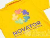 Желтые футболки-поло с логотипом «NOVATOR»