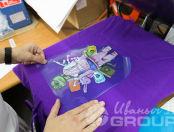 Фиолетовая толстовка с изображением в виде лягушки