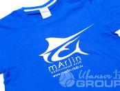 Синие футболки с логотипом в виде рыбы