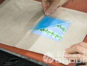 Печать картинок с растениями на серых льняных мешочках