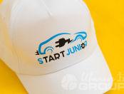 Белые бейсболки с логотипом «Start Junior»