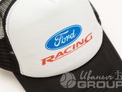 Белая бейсболка с черным козырьком с логотипом «Ford RACING»