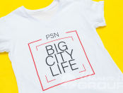 Белые футболки с логотипом «PSN»