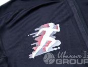 Черные спортивные лонгсливы с надписью «PIONEER RUNNERS»