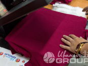 Красные футболки-поло с надписью «ЭКСПЕРТ ПО АЛКОГОЛЮ»
