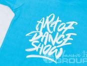 Голубая женская футболка с логотипом и надписью «Алиса Савченко»
