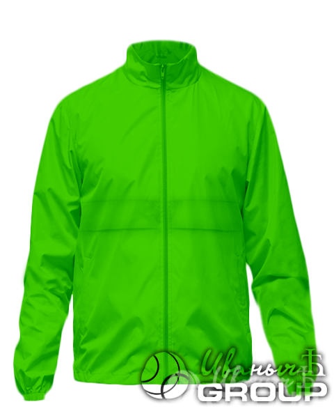 Зеленая ветровка с капюшоном