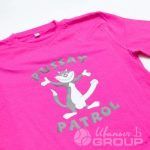 Печать изображения в виде кота на футболки